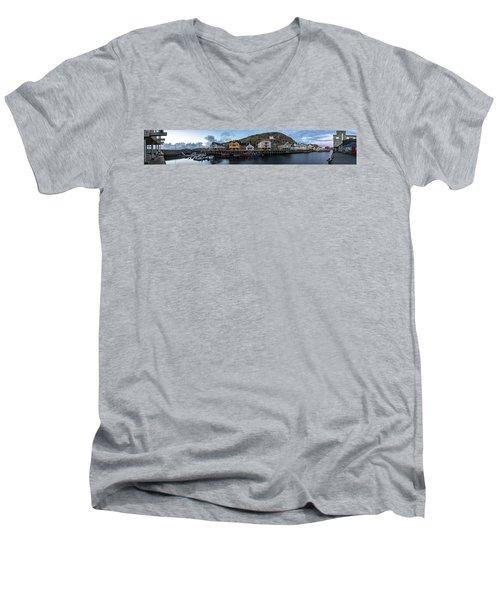 Nyksund Vesteralen Men's V-Neck T-Shirt
