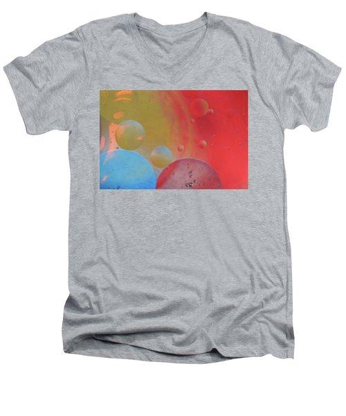 Oil And Color Men's V-Neck T-Shirt