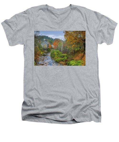 Old Mill New England Men's V-Neck T-Shirt