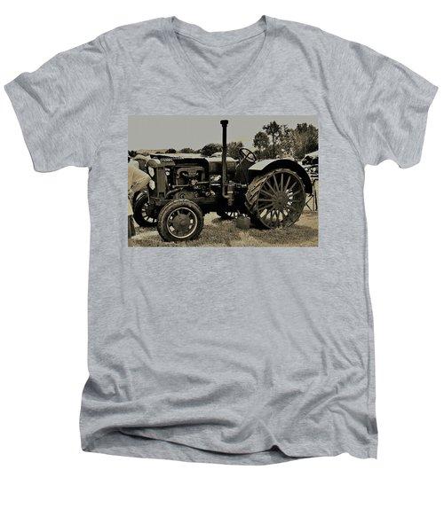 Ye Old Tractor Men's V-Neck T-Shirt
