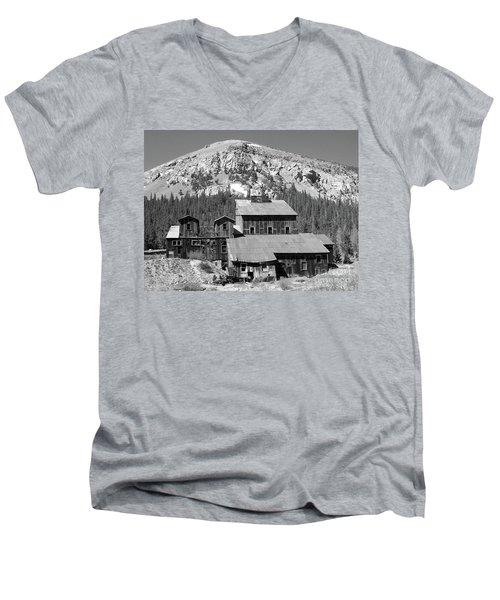 Paris Mill Men's V-Neck T-Shirt