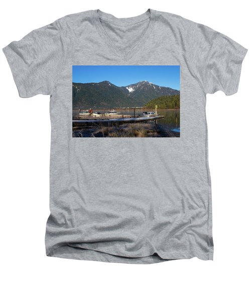 Pitt Lake Winterimpression Men's V-Neck T-Shirt
