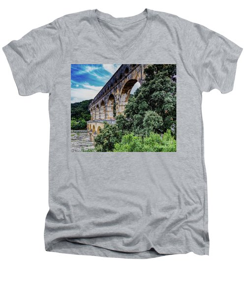 Pont Du Gard Men's V-Neck T-Shirt