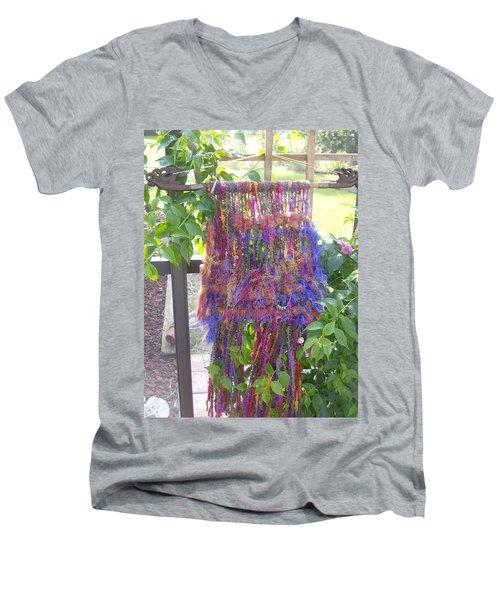 Purple Weaving Men's V-Neck T-Shirt