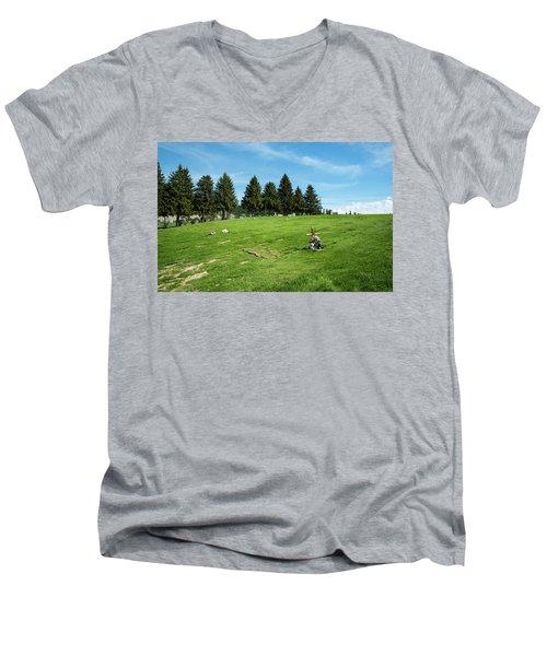 Remembering A Child In Peshastin Men's V-Neck T-Shirt