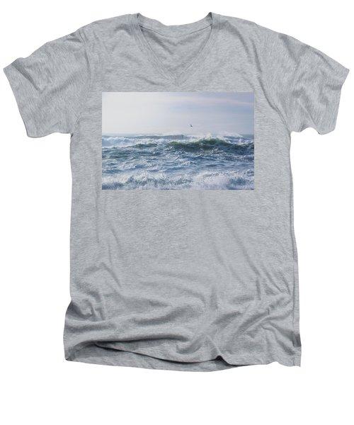 Reynisfjara Seagull Over Crashing Waves Men's V-Neck T-Shirt