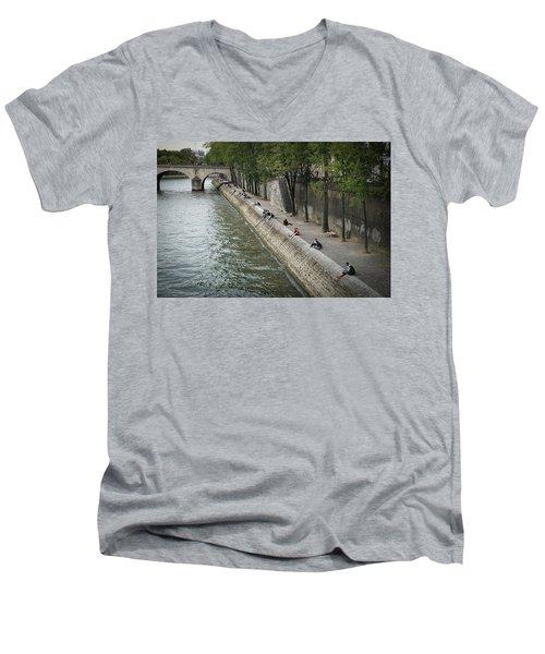 Seine Men's V-Neck T-Shirt