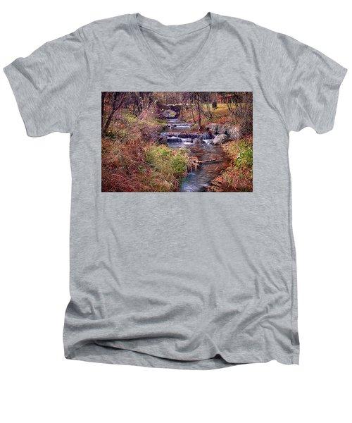Sinoquippie Run Men's V-Neck T-Shirt