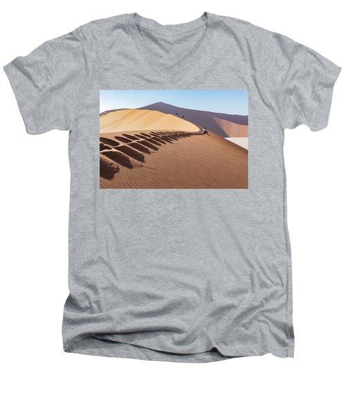 Sossusvlei Desert Men's V-Neck T-Shirt