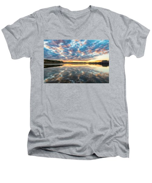 Stumpy Kinda Of Reflection Men's V-Neck T-Shirt