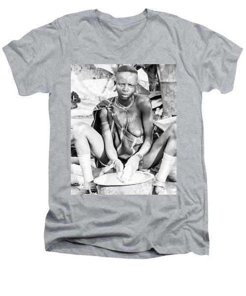 Suri Girl  Men's V-Neck T-Shirt