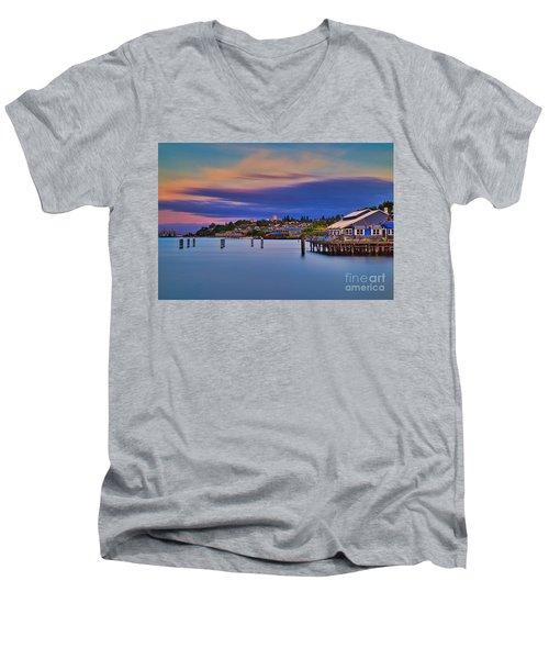 Tacoma, Point Ruston Men's V-Neck T-Shirt