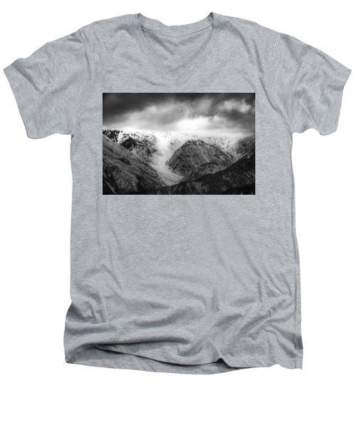 Takayama Men's V-Neck T-Shirt