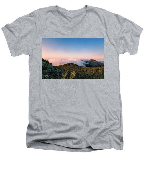 The Hiker - Mt Jefferson, Nh Men's V-Neck T-Shirt