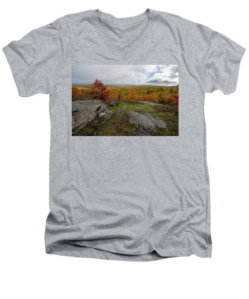 Men's V-Neck T-Shirt featuring the photograph Thomas Rock Scenic Overlook 10111801 by Rick Veldman