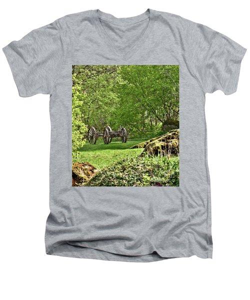 Wagon Wheels Men's V-Neck T-Shirt