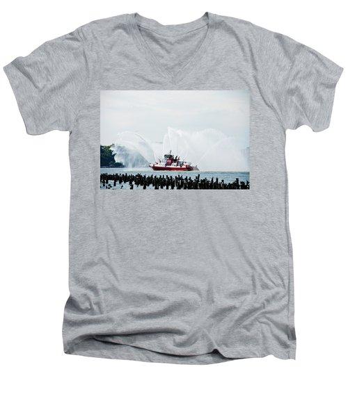 Water Boat Men's V-Neck T-Shirt