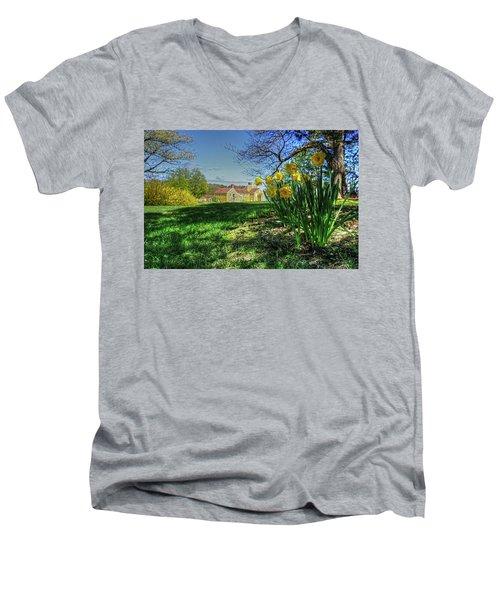 Wentworth Daffodils Men's V-Neck T-Shirt