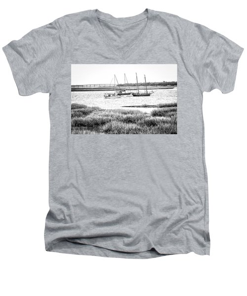 Winter Mooring - Beaufort River Men's V-Neck T-Shirt