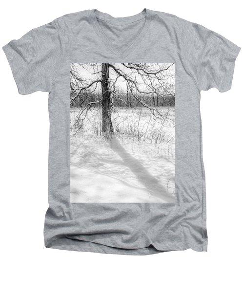 Winter Simple Men's V-Neck T-Shirt