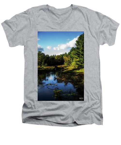 Wisconsin Waterscape Men's V-Neck T-Shirt