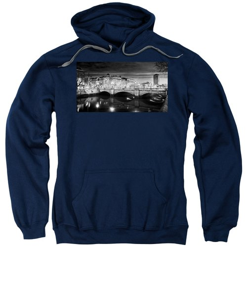 O Connell Bridge At Night - Dublin - Black And White Sweatshirt