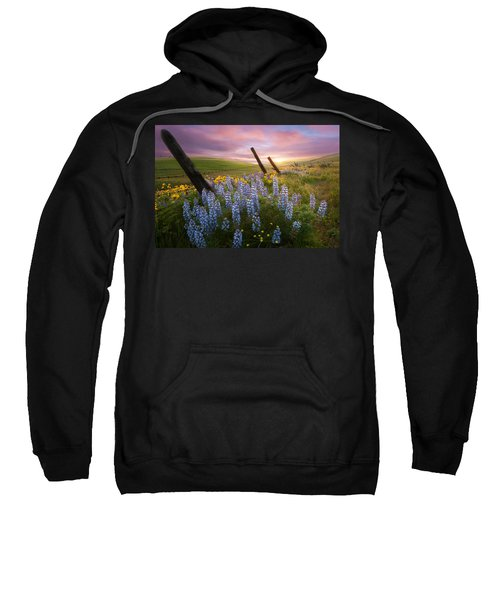 Columbia Hills Sunset Sweatshirt