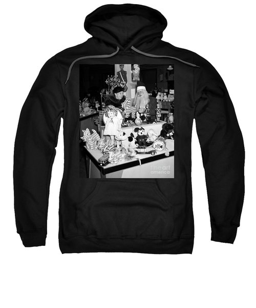 First Lady Eleanor Roosevelt And Santa Sweatshirt by Science Source