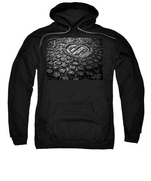 Holland Tunnel Manhole - Bw Sweatshirt
