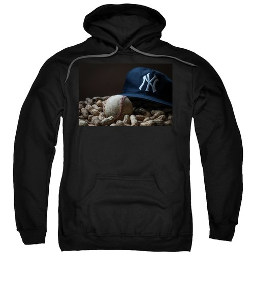 Yankee Cap Baseball And Peanuts Sweatshirt