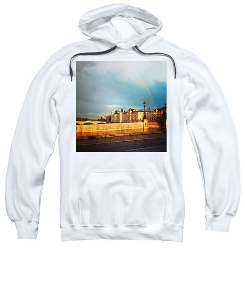 Rainbow Over The Seine. Sweatshirt