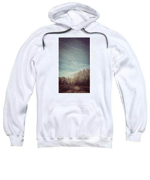 Am Himmel Die Wolken  #wolken #himmel Sweatshirt