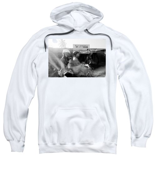 Center Sweatshirt
