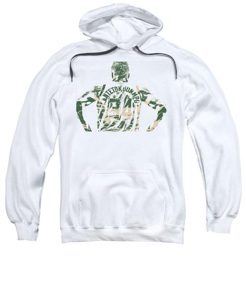 Giannis Antetokounmpo Milwaukee Bucks Pixel Art 22 Sweatshirt