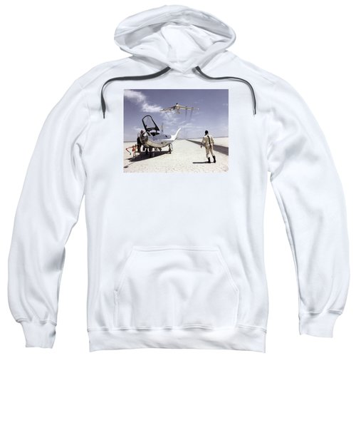 Hl-10 On Lakebed With B-52 Flyby Sweatshirt