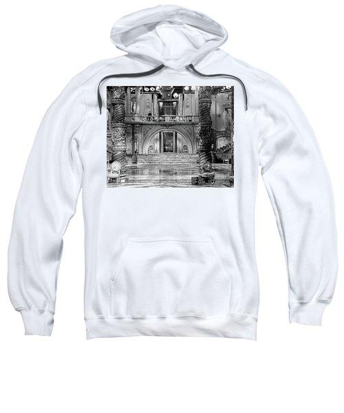 Set Photo For Kiss Me Again 1931 Sweatshirt