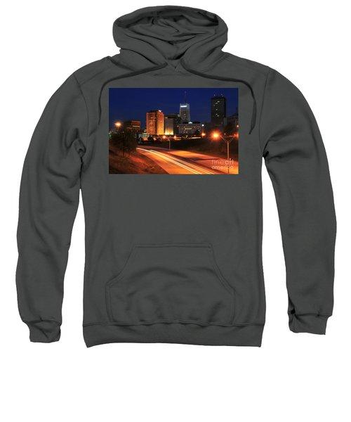 D1u-140 Akron Ohio Night Skyline Photo Sweatshirt