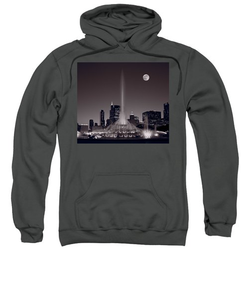 Buckingham Fountain Nightlight Chicago Bw Sweatshirt