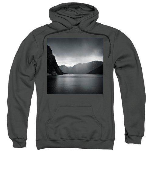 Fjord Rain Sweatshirt