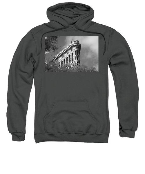 New York City - Flat Iron Prow Sweatshirt