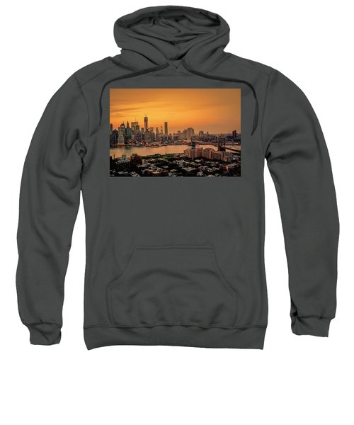 New York Sunset - Skylines Of Manhattan And Brooklyn Sweatshirt