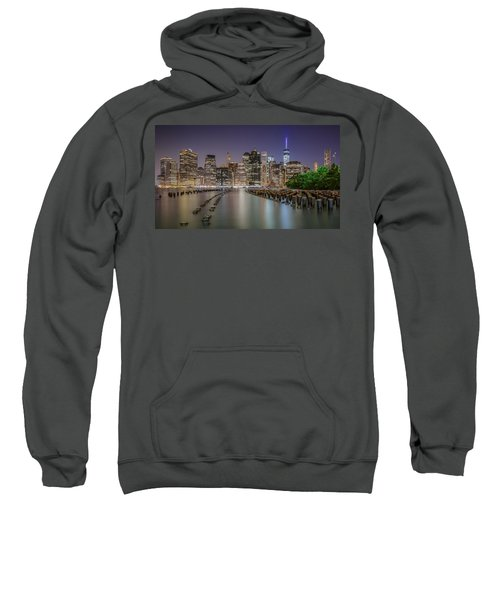 The City That Never Sleeps 16 9 Aspect Sweatshirt