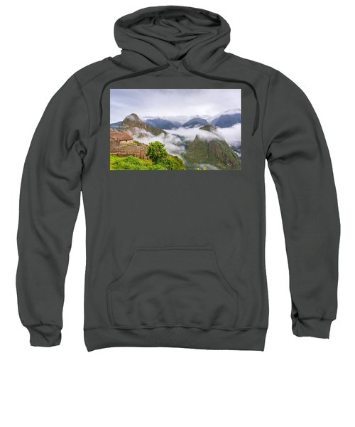 Cloudy Mountains. Sweatshirt