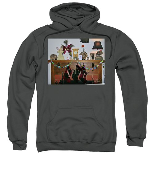 Mantel With Mask Sweatshirt