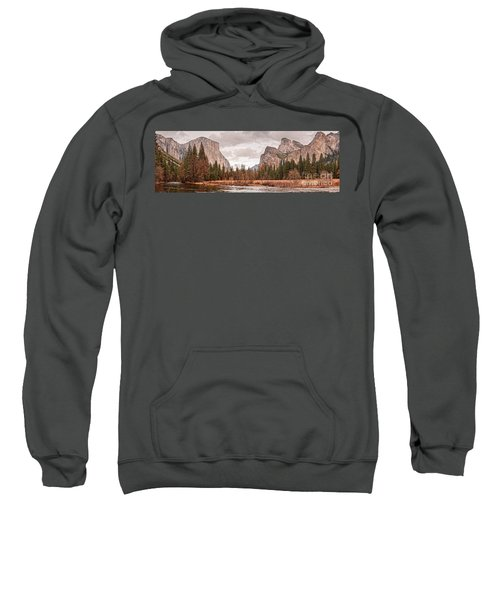 Panoramic View Of Yosemite Valley From Bridal Veils Falls Viewing Point - Sierra Nevada California Sweatshirt