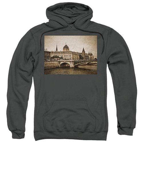 Paris, France - Pont Notre Dame Oldstyle Sweatshirt