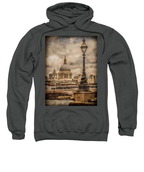 London, England - Saint Paul's Sweatshirt
