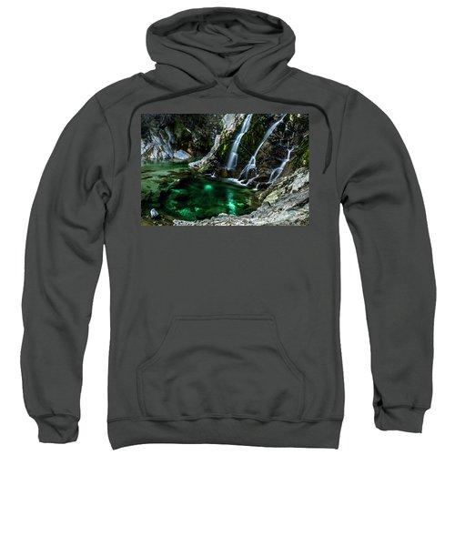 Tarcento's Cascade 5 Sweatshirt