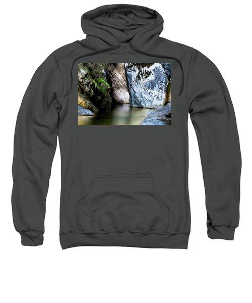 Tarcento's Cascade 6 Sweatshirt