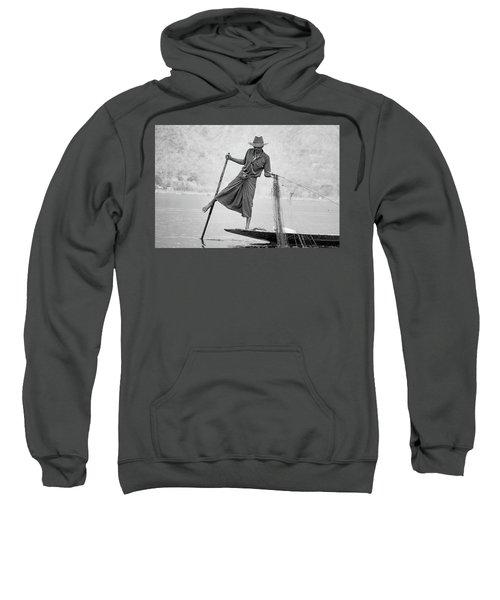 Inle Lake Fisherman Byw Sweatshirt